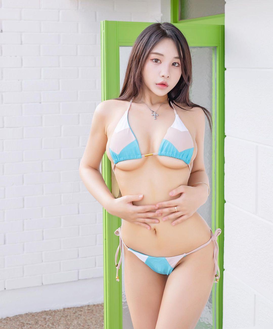 韓國這妹子穿這樣打撞球